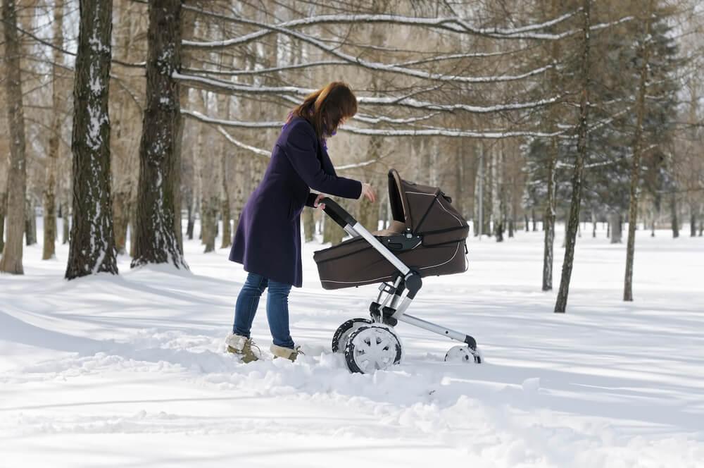 Советы для прогулок с грудничками в зимнее время